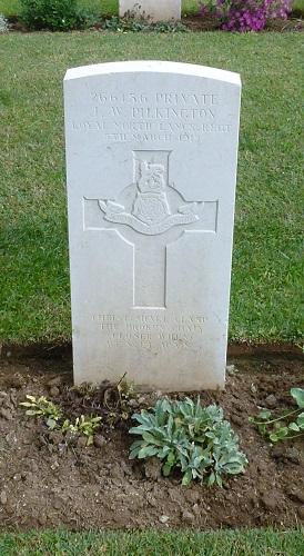 Photograph - Grave of Private John William Pilkington. © Harry Fecitt