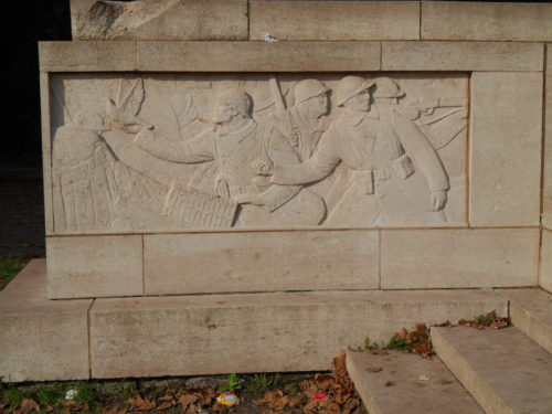 An image of the French memorial to pigeons in the First World War, Lille.