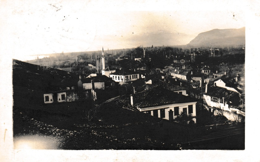 This is supposed to be a view of Prilep. From a collection of photos belonging to a member of the Prussian Feldartillerie Regt Nr 201 who were in Prilep and the Vardar in 1916, but were long gone when the photo was posted in June 1918.