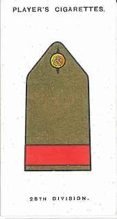 Player's Cigarettes card of the 'battle insignia' of 28th Division. This was narrow, red braid on the shoulder strap.